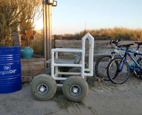 mietbarer Strandrollstuhl auf Texel