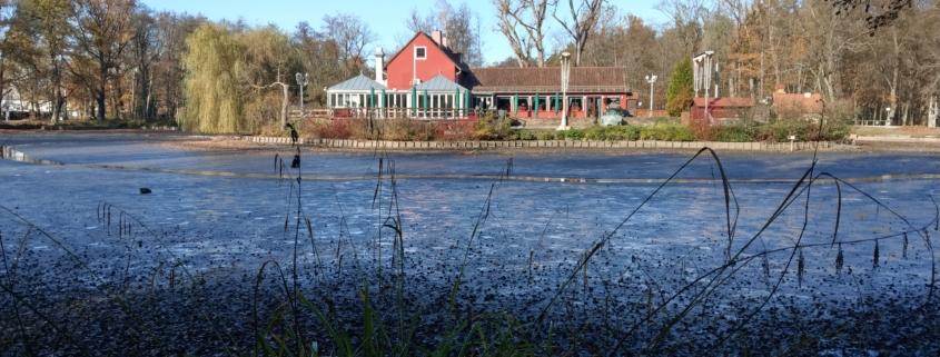 Valznerweiher Blick auf das Inselrestaurant Valzner Weiher