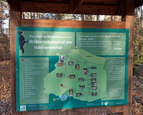 Walderlebnispfad am Valznerweiher Infotafel der einzelnen Stationen 1